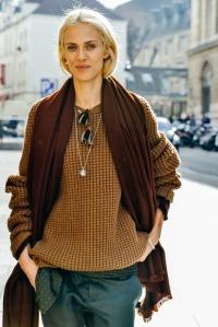 2 08-fall-2015-ready-to-wear-street-style-10